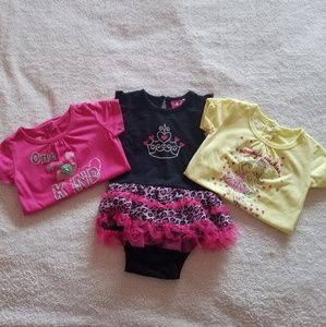 Bundle of 3 super cute onesies size 9 months